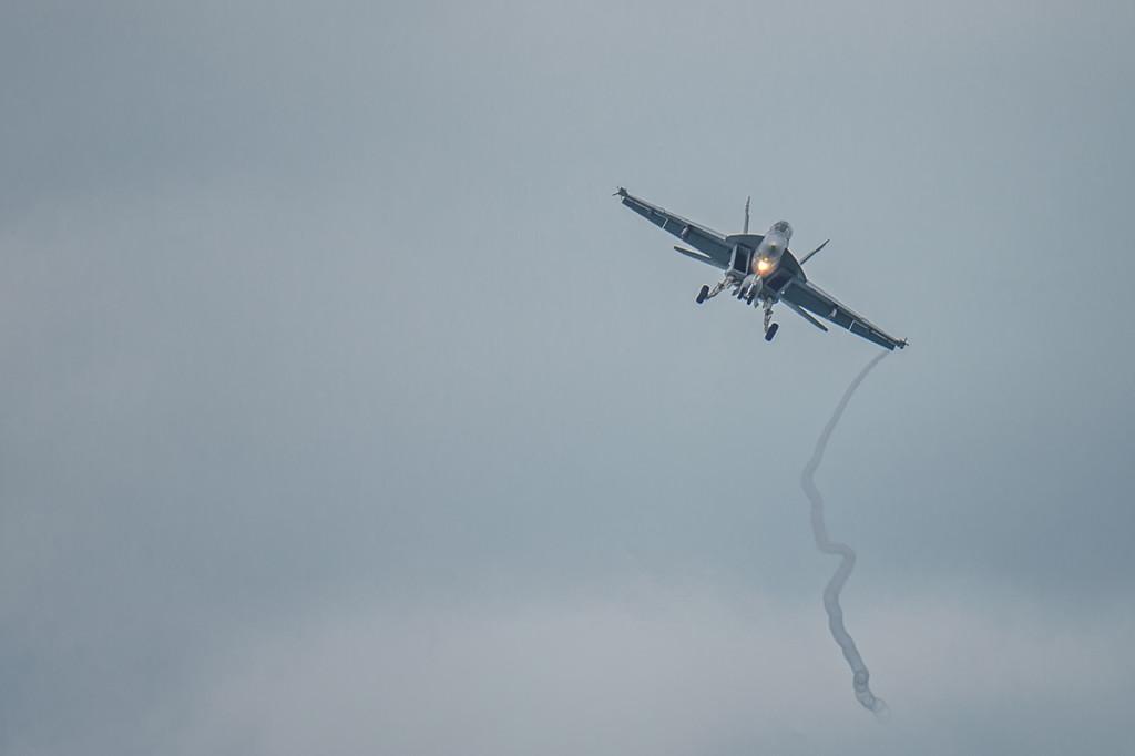 F-A-18-Hornet-NAS-Key-West-RKing-15-005988-vv